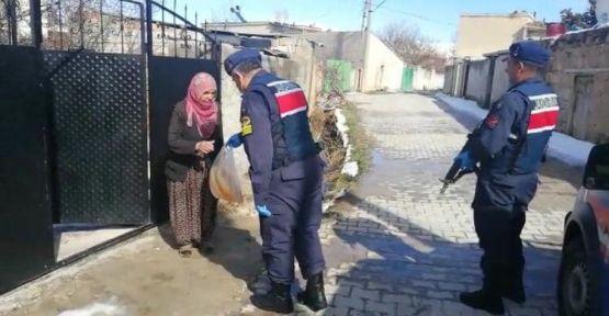 585 Vatandaşın Evine Hizmet Götürüldü