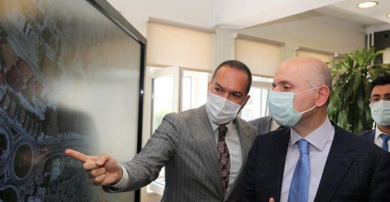 Bakan Karaismailoğlu, Niğde Belediyesini Ziyaret Etti