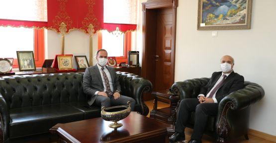 Başkan Özdemir'den Rektör Kar'a ziyaret