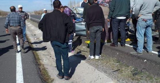 Bor-Altunhisar Yolunda Kaza; 1'i Ağır 3 Yaralı