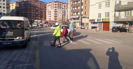 Emniyetten Okul Önlerinde Trafik Tedbiri