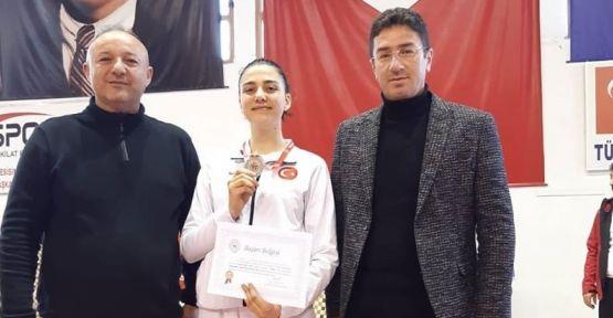 Gözde Ulusoy Gümüş Madalya Kazandı