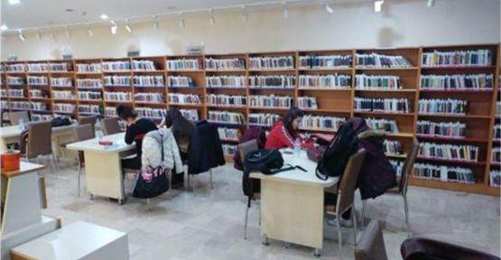 Niğde'de Kütüphaneler Okuyucu Hizmetlerine Kapatıldı