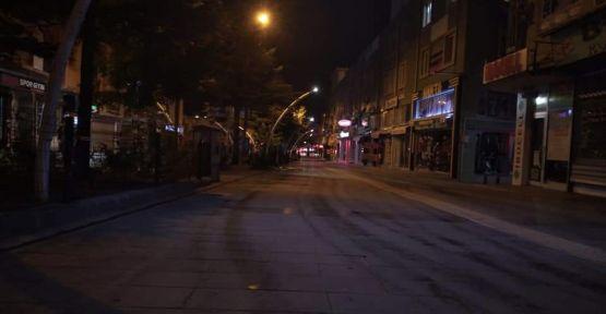 Niğde'de Yasak Sonrası Sokaklar Boş Kaldı