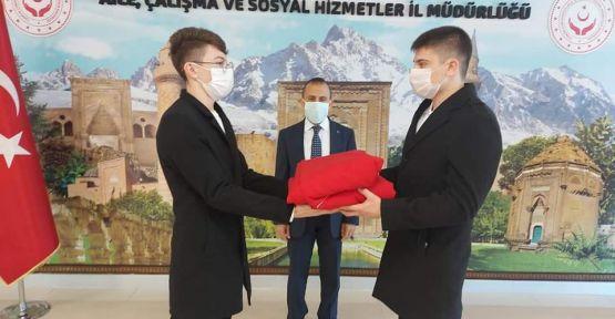Niğde'debayrak teslim töreni düzenlendi