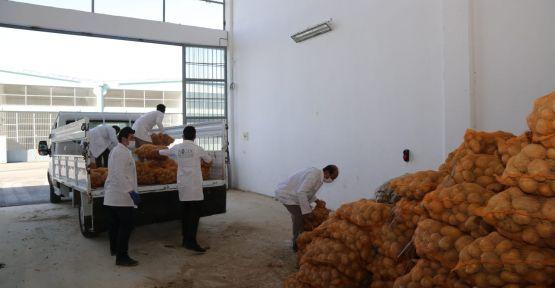 Niğde'den Ak partili belediyelere patates