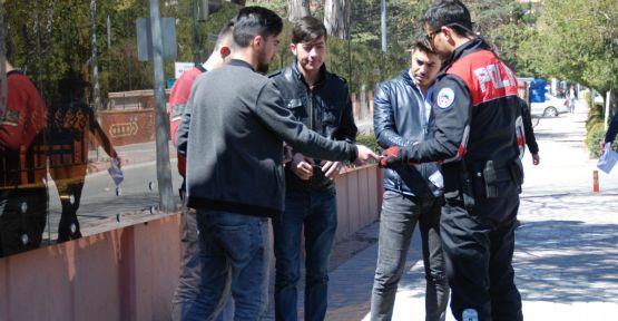 Polis Ekipleri Okul Önlerinde Denetimlere Devam Ediyor
