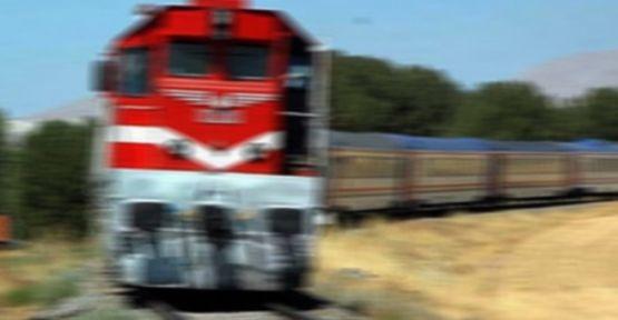 Tren'in Çarptığı Şahıs Hayatını Kaybetti