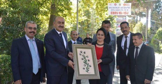 (VİDEO HABER) Bor'da Ebru Sergisi Açıldı
