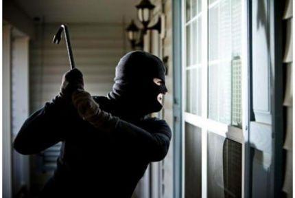 Bor'da boş evlere hırsız dadandı