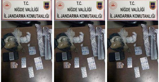Jandarmadan uyuşturucu operasyonu 3 tutuklama
