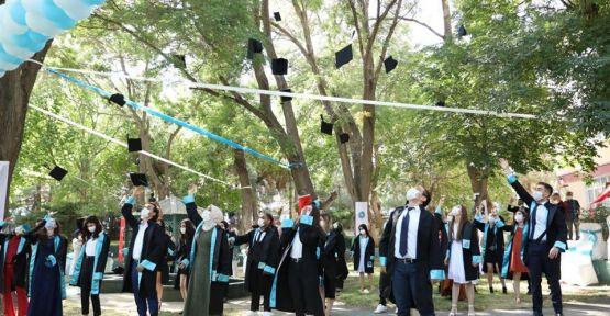Niğde Ömer Halisdemir Üniversitesinde Mezuniyet Töreni